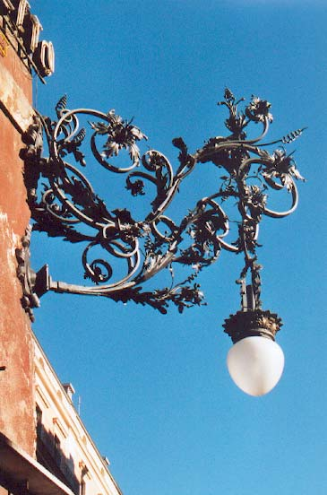Réverbère dans les rues de Rome