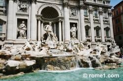 sculptures de la fontaine de Trevi