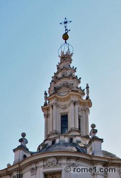 Sant'Ivo dans le Palais de la Sapienza