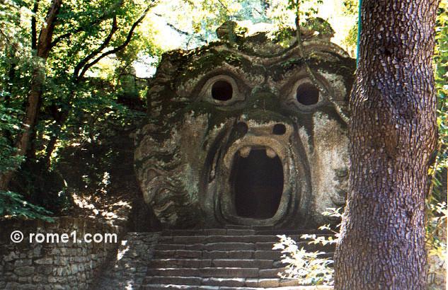 Rome autrement : Bomarzo et ses monstres amusants