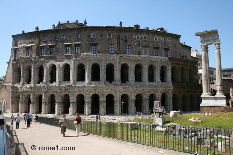 Théâtre de Marcello à Rome ou théâtre de Marcellus