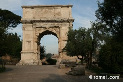 arc de Titus dans le forum romain