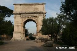 arc de Titus dans le forum romain