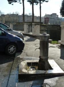 Fontaine d'eau potable Rome sur smartphone